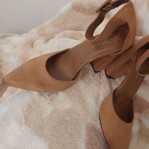 Shoe Land Tan Classic Size 10 - New In Box